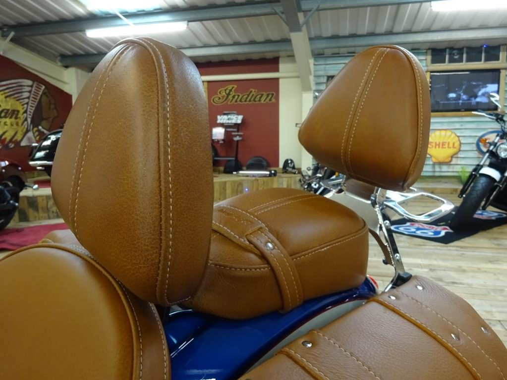 tour deluxe indian scout10
