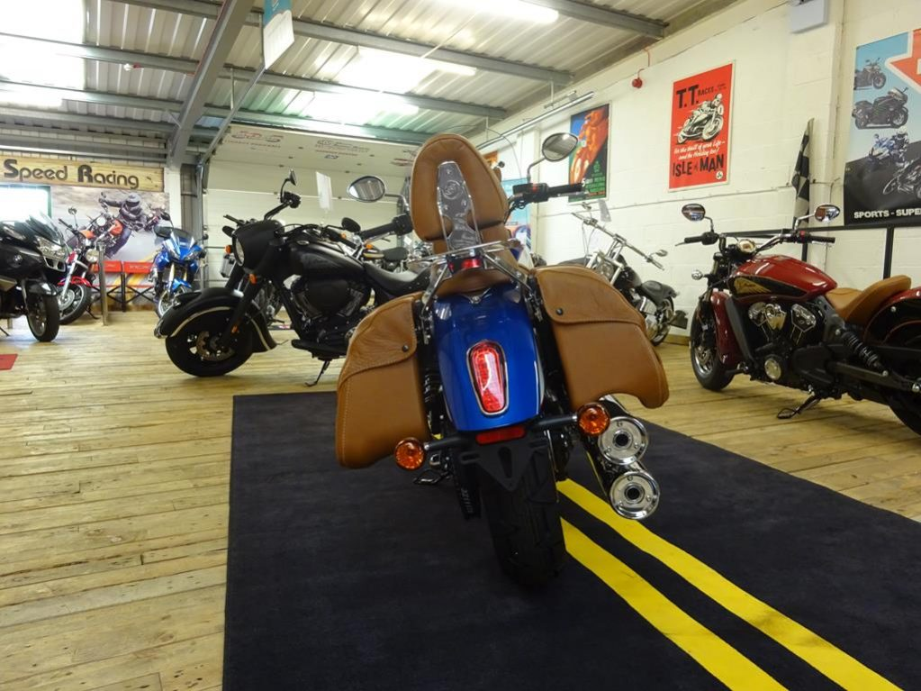 tour deluxe indian scout12