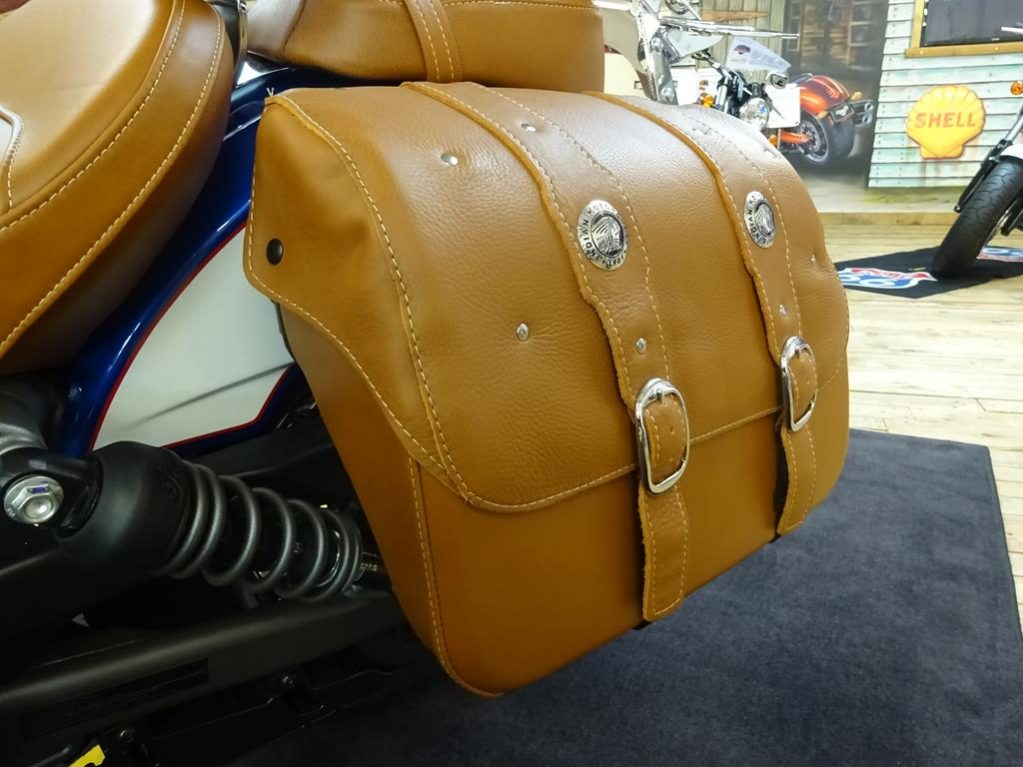 tour deluxe indian scout13