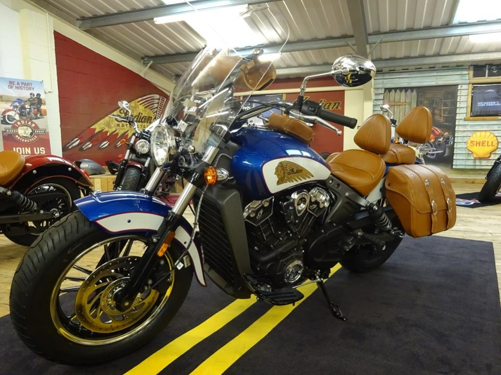 tour deluxe indian scout2